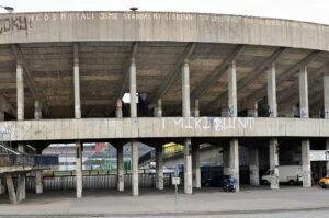 14-09-30-Velký-strahovský-stadion-RalfR-010